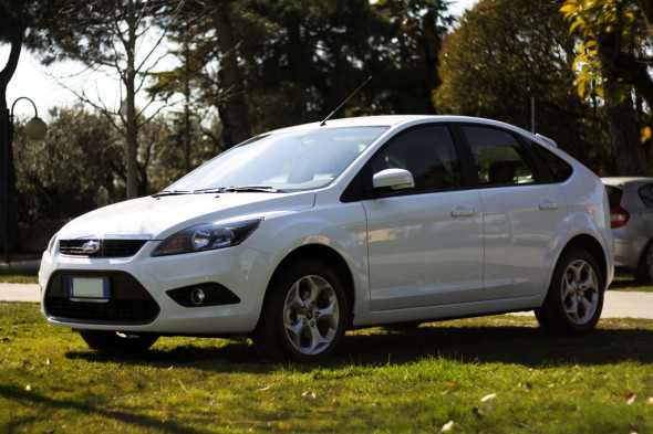 Ford Focus Ikon 1.6 GPL 5p White Frozen